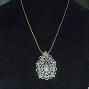 Unsigned Trifari Swirly Medallion Snake or Rat Tail Silvertone Chain Necklace