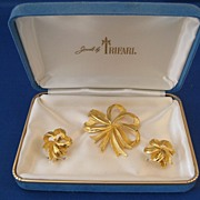 Vintage Trifari Pin & Earring Set in Original Box