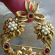 SALE Avon Circle Floral  Brooch faux pearls & rubies