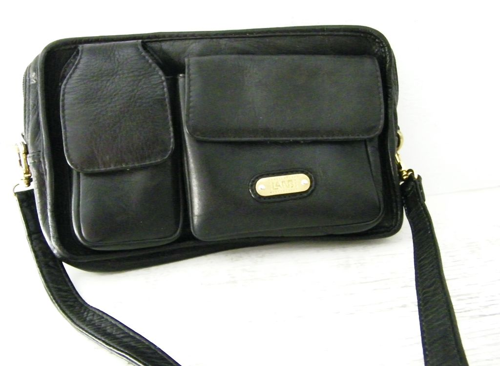 LAND black Columbian leather travel organizer purse