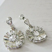 SALE Vintage Rhinestone Dangle Earrings