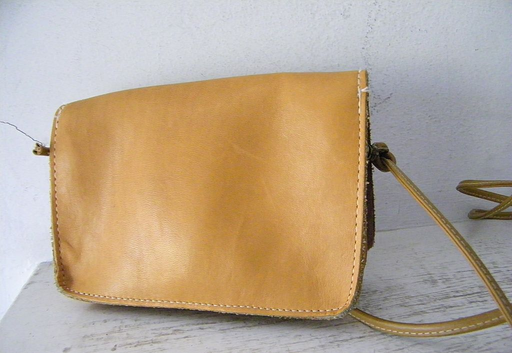 Vintage Cross Body / Shoulder Bag Purse
