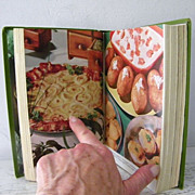 SALE Farm Journal's Country Cookbook  850 + Recipes!