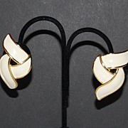 SALE 1980s Premier Designs ~ Cream Enamel Clip Earrings