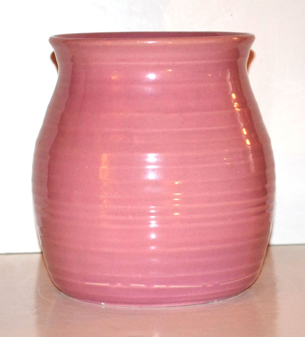 1950/60s Hyalyn Pottery ~ Coral Pink Ribbed Pottery Vase