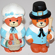 SALE 1970/80s Thanksgiving Bear Salt & Pepper Shakers