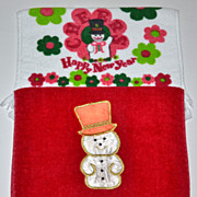 SALE Set of 2 Christmas Kitchen/Bath Fringed Towels