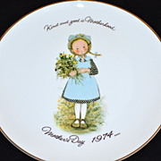 "SALE 1974 Holly Hobbie ~ 10.5"" Porcelain Mother's Day Plate"
