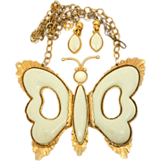 Huge Vintage Juliana (D&E) Cream Folding Wing Butterfly Demi Parure