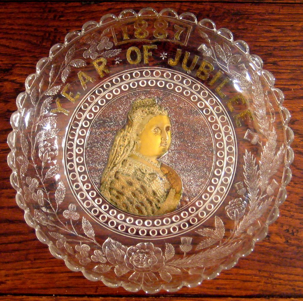 Queen Victoria Commemorative Jubilee Glass Plate, 1887
