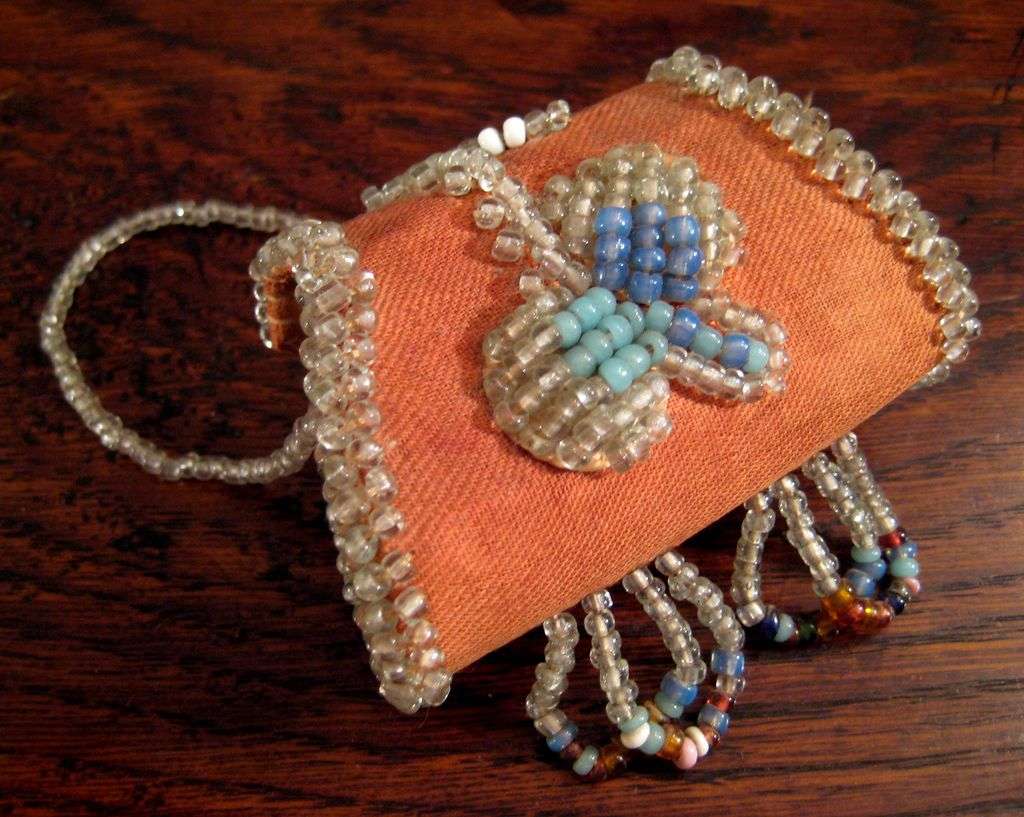 Early Vintage Iroquois Beaded Change Purse, Circa 1910