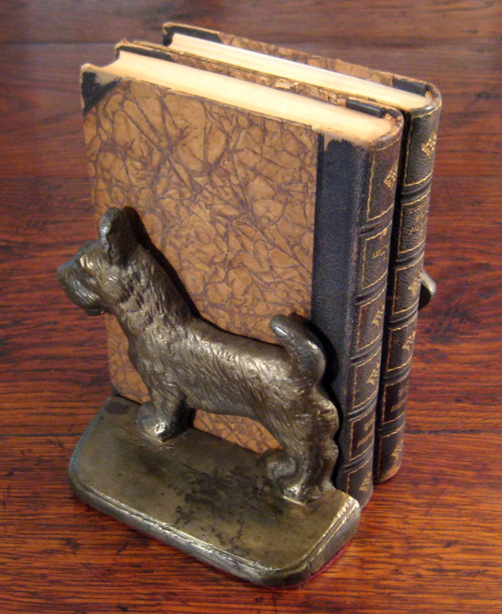 Vintage Pair Of Cast Iron Scottie Dog Book Ends, Circa 1940