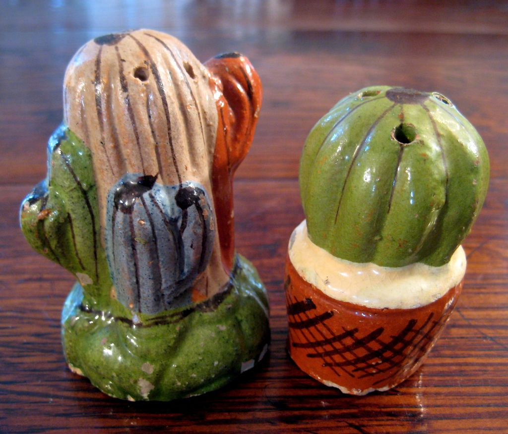 Vintage Pair Of Mexican Pottery Salt & Pepper Shakers