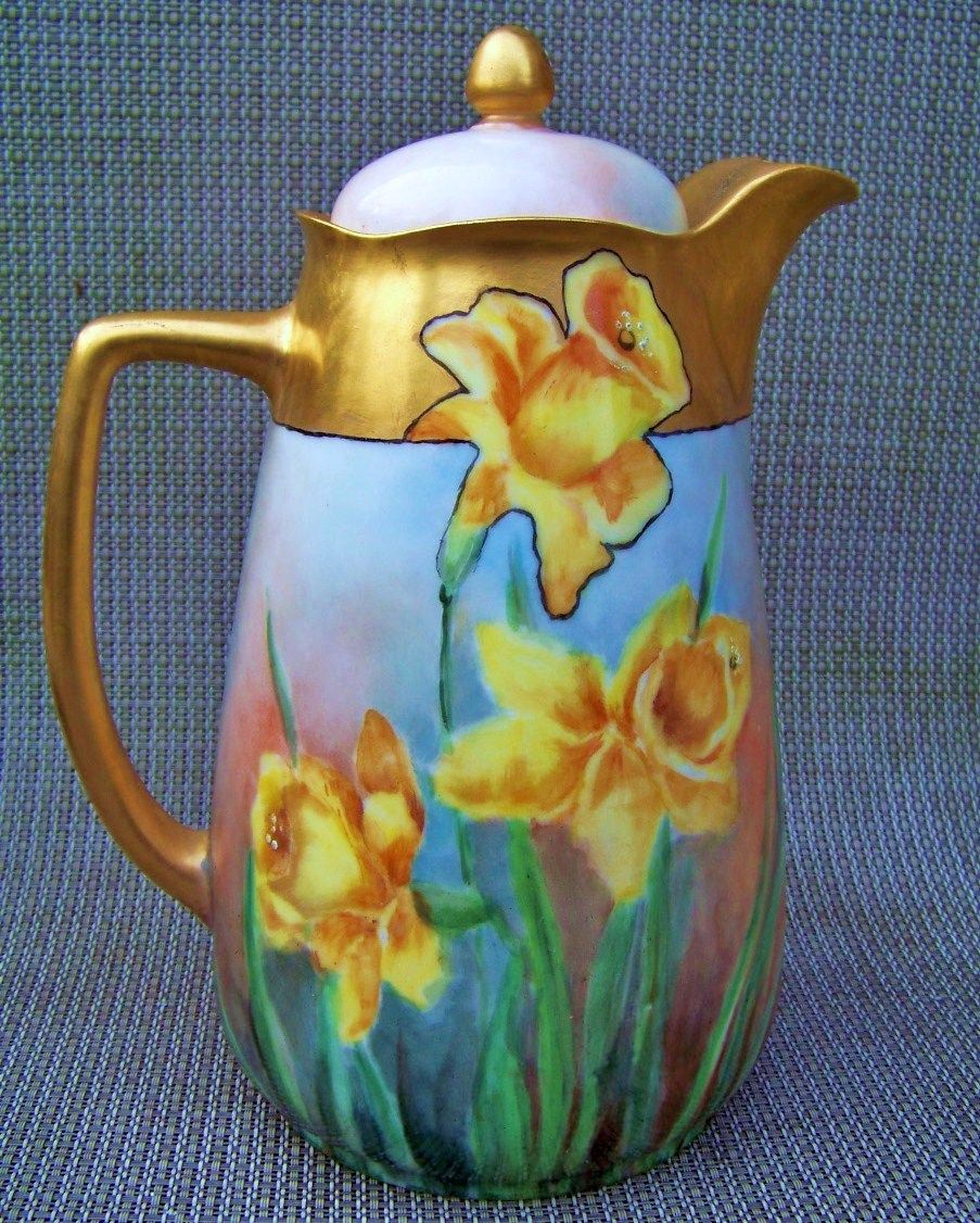"Superb Omhe Silesia Germany Hand Painted ""Deep Yellow Jonquils"" 9-3/8"" Chocolate Pot"