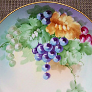 Vintage Bavaria 1900's Hand Painted &quot;Deep Red, Purple, & Green Grapes&quot; 9-1/2&quot; P