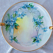 Attractive Vintage 1915 Bavaria Hand Painted &quot;Forget Me Not&quot; 7-1/4&quot; Raised Hand