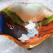 "Extra Nice Vintage 1900's Royal Bayreuth ""Sunbonnets Fishing"" 3 Footed Nut Bowl"