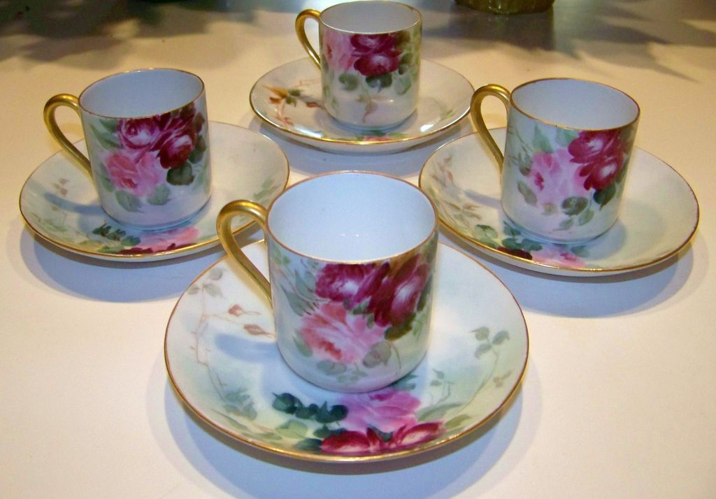 Attractive Limoges Matched Set of 4 HP Deep &quot;Red & Pink Roses&quot; Cups/Saucers