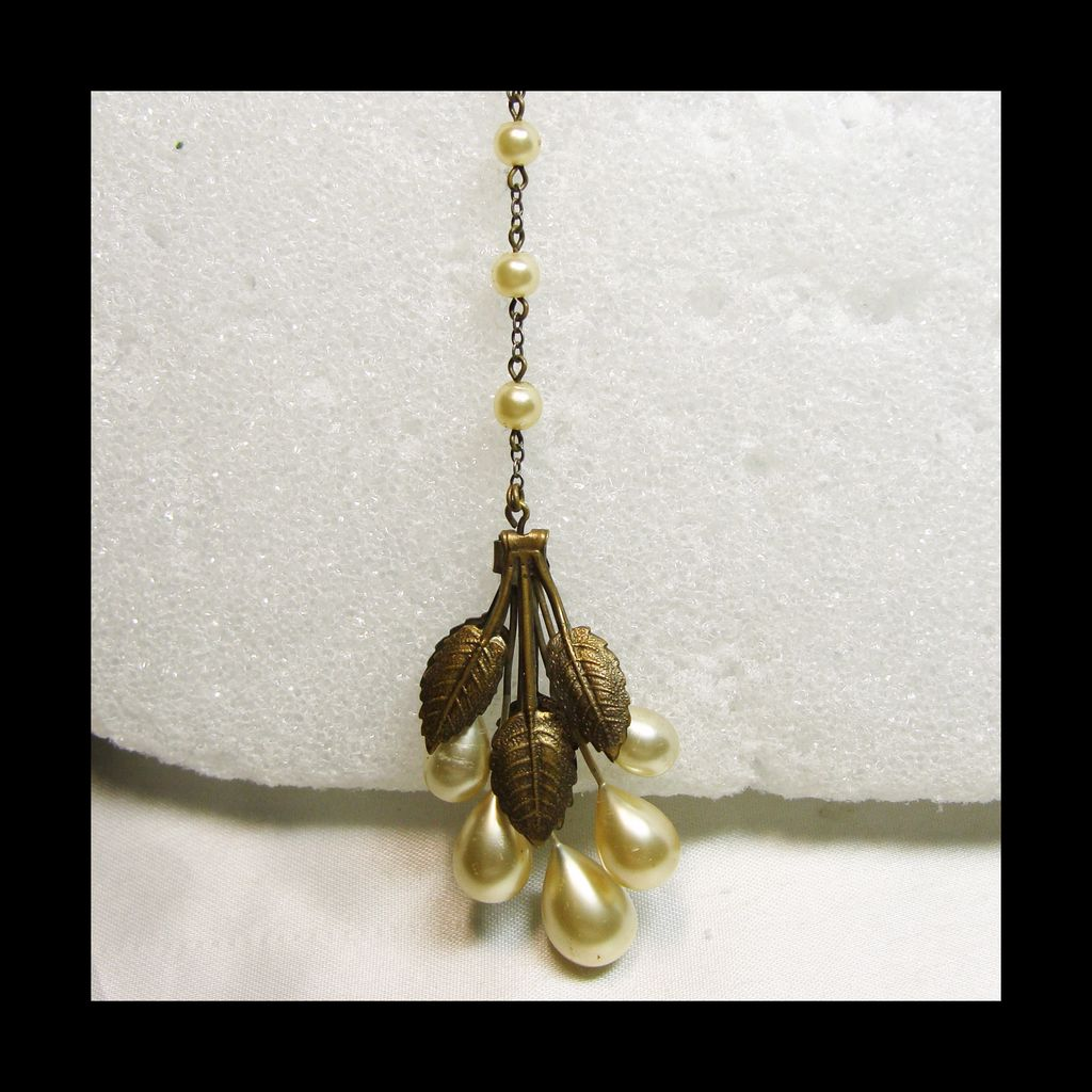 1920s-1930s Brass Faux Pearl Pendant Neck;lace