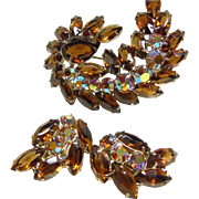 Demi-Parure: Set : Earrings and Broach Cognac Colored Rhinestones