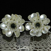 1950's Summer White Flower Earrings