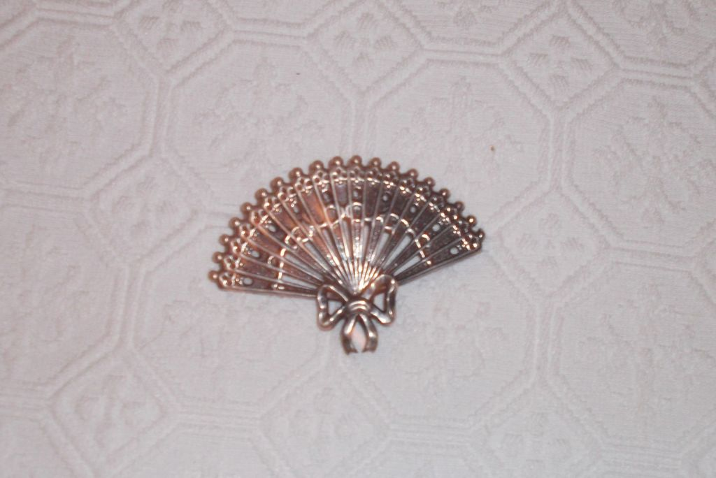 Sterling SIlver Brooch by Lang ~ Reticulated Fan~ Lovely Vintage Fun Piece!!