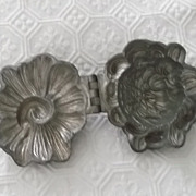 "Vintage Ice Cream Mold  Chrysanthemum Hinged Beauty!! 3.50"" x 3.50"""