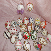 SALE Vintage Folk Art Decorated Pysanky Easter Eggs!! ca: 1960-1970's Ukrainian Style
