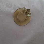 Golden Mesh Brooch ~ Wide Brimmed Hat Motif ~  Lovely