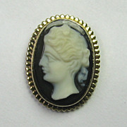 Antique Edwardian 14K Gold Hard Stone Layered Onyx Cameo Stick Pin