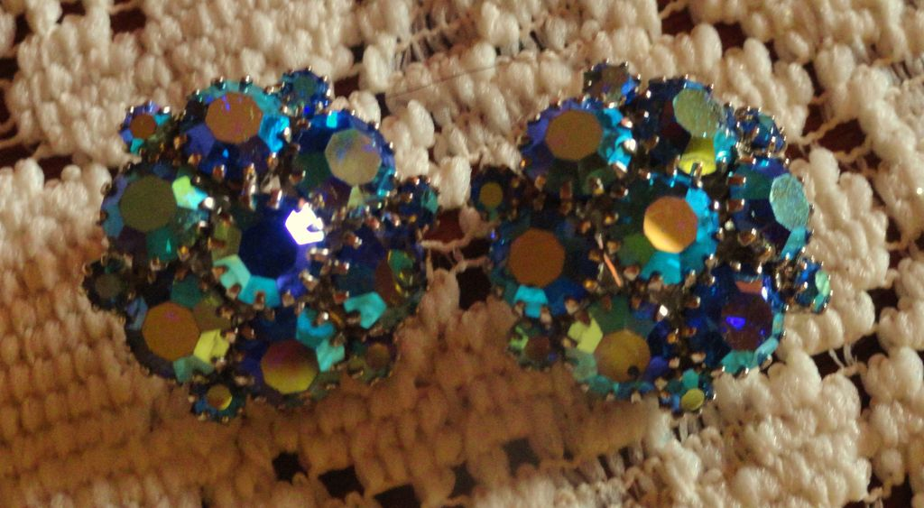 Weiss Aurora Borealis Blue Rhinestone Clip On Earrings