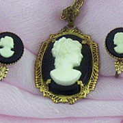 SALE Lovely Art Deco Era Prong-Set Cameo Pendant & Earrings Set