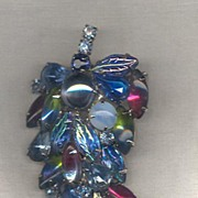 Art Glass Hanging Grapes Brooch