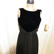 Vintage..Designer Dress..Velvet Bodice / Double layer Chiffon Skirt..Tie..Size 6..Excellent Co