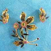 Demi Parure..Floral Spray..Rhinestone & Metal Pin / Brooch & Earring Set..Excellent Condition.