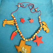 TEXAS Wood Puzzle Necklace..Wood-Cuts Of State..Cowboy Boots..Star..Hat..Red Pepper..On Soutas