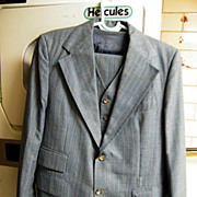 Men's 3 Piece Suit..Blue Chambray With Stripe..Wool..Saks Fifth Avenue..Size 42L