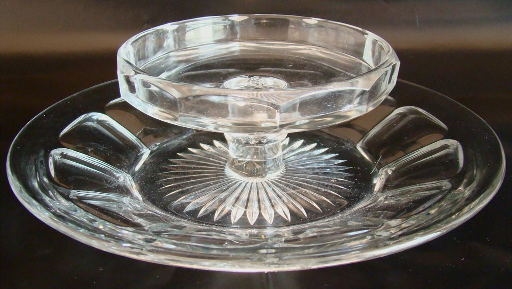 Heisey Glass No. 353 Medium Flat Panel Cheese & Cracker Plate circa: 1905