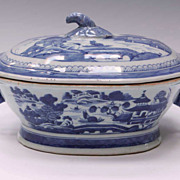 Chiense Export Canton Poreclain Tureen