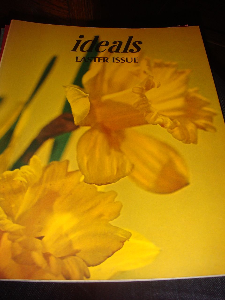 1975 IDEALS Magazine: Easter Issue Volume 32