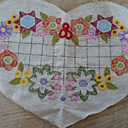 Vintage Heart Shape Embroidered Linen