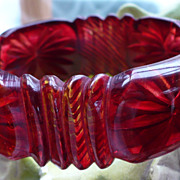 Raspberry Prystal Top & Reverse Carved Bracelet