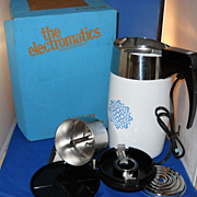 VINTAGE Corning Ware Electric Percolator, RARE Blue Macrame Design, 10 Cup Coffee Pot In Box .