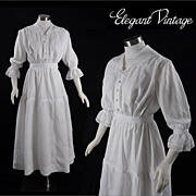 SALE Vintage Victorian c1900 Linen Garden or Tea Dress