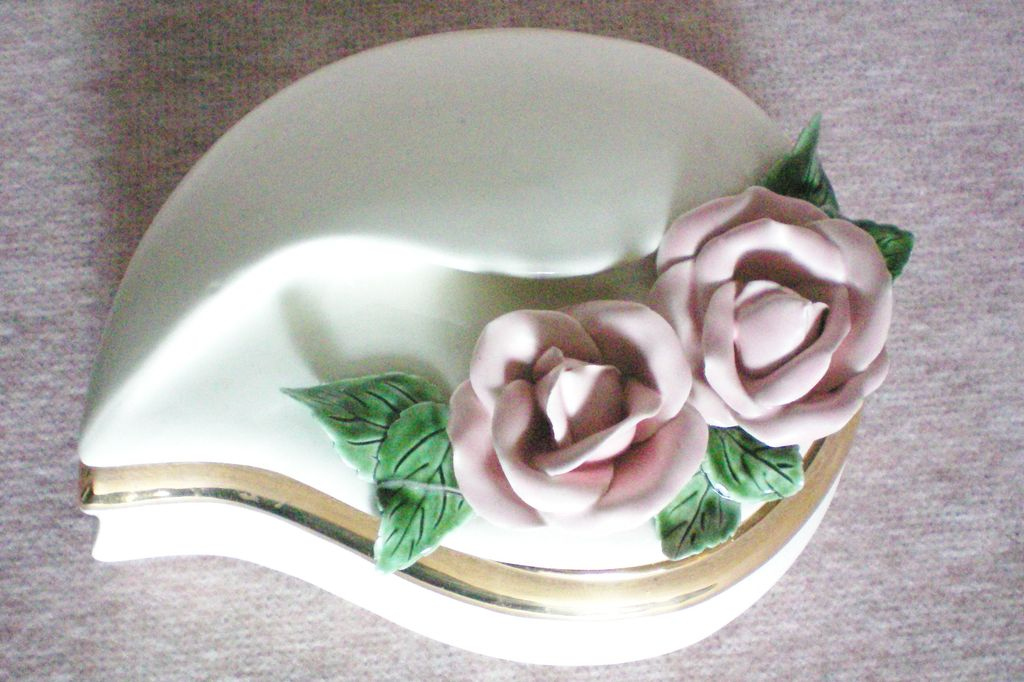 Unusual shaped Ceramic Dresser / Trinket Box with Applied Roses