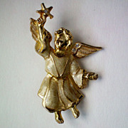 REDUCED Christmas Angel in Flight with Star