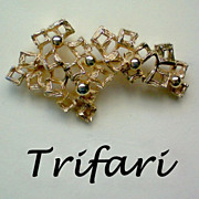 REDUCED Trifari Crown Free Form Pin
