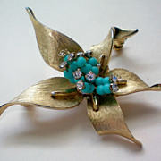 Vintage Gold tone Flower Brooch