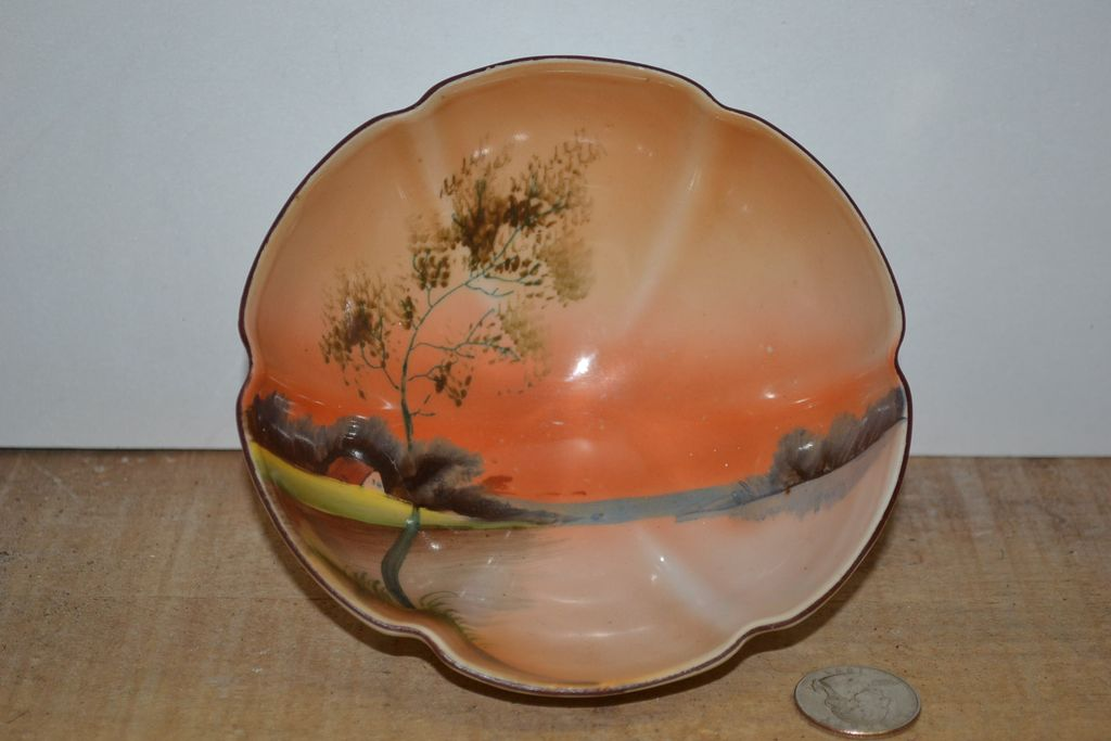 Noritake 3 Footed Sauce Bowl with a Hand Painted Interior Scene
