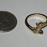 Marked Avon Monogramed L Ring with Rhinestones